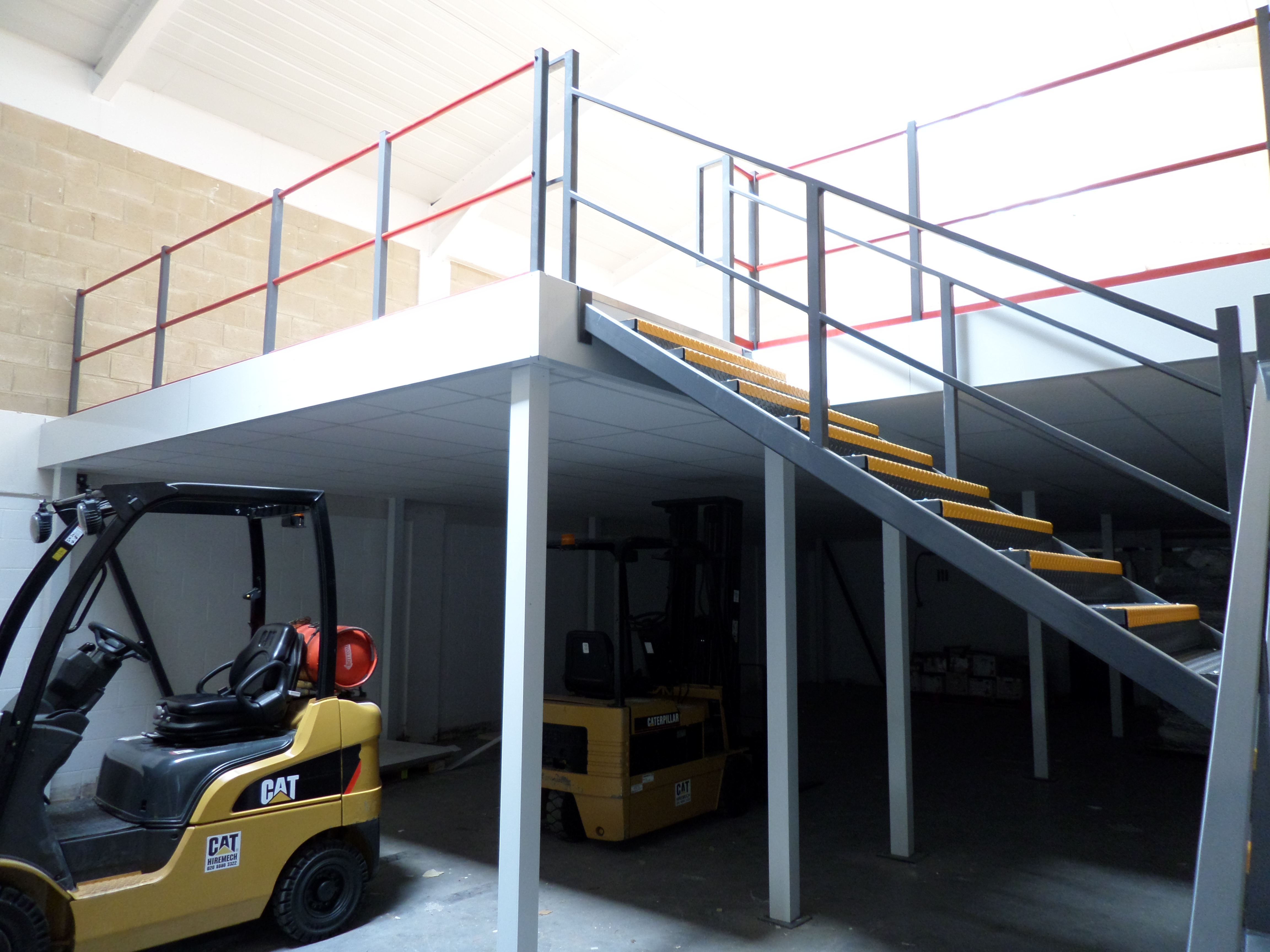Mezzanine Floors Services : Mezzanine floors for your business romstor projects